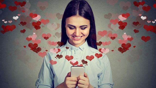 วาเลนไทน์นี้ บอกรักภาษาไหนดี ให้คนฟังเคลิ้มแบบสุดไปเลย